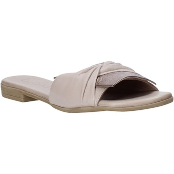 Cipők Női Papucsok Bueno Shoes 9L2735 Bézs