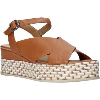 Cipők Női Szandálok / Saruk Bueno Shoes Q5901 Barna