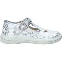 Cipők Lány Szandálok / Saruk Primigi 5350055 Ezüst