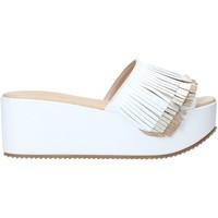Cipők Női Papucsok Grace Shoes C21 Fehér