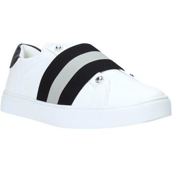 Cipők Női Rövid szárú edzőcipők Gold&gold B19 GT770 Fehér