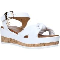 Cipők Női Szandálok / Saruk Gold&gold A20 GJ272 Fehér