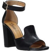 Cipők Női Szandálok / Saruk Grace Shoes 018N026 Fekete