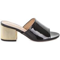 Cipők Női Papucsok Gold&gold A19 GJ113 Fekete
