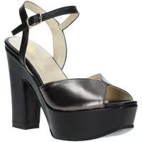 Cipők Női Szandálok / Saruk Grace Shoes TQ 074 Fekete