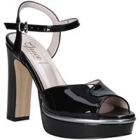 Cipők Női Szandálok / Saruk Grace Shoes 5753003 Fekete