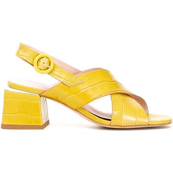 Cipők Női Szandálok / Saruk Café Noir LF124 Sárga