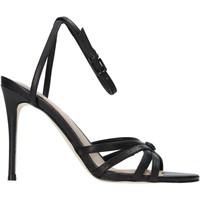 Cipők Női Szandálok / Saruk Guess FL6KAA LEA03 Fekete