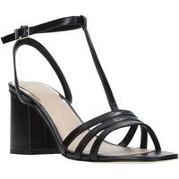 Cipők Női Szandálok / Saruk Guess FL6MSE LEA03 Fekete