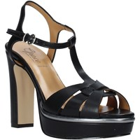 Cipők Női Szandálok / Saruk Grace Shoes 5753007 Fekete