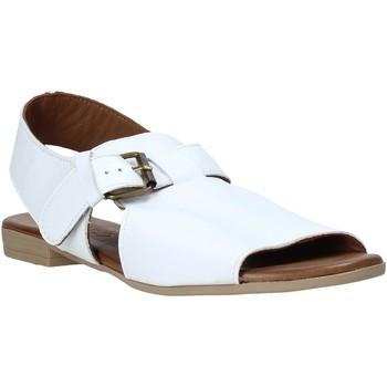 Cipők Női Szandálok / Saruk Bueno Shoes 9L2700 Fehér