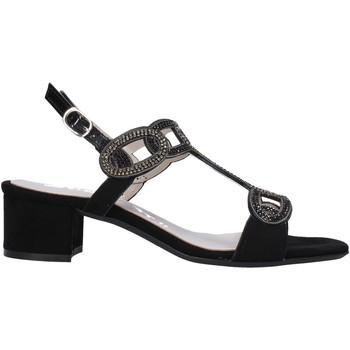 Cipők Női Szandálok / Saruk Comart 083307 Fekete