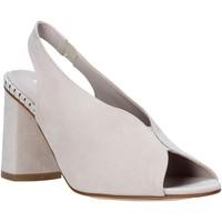 Cipők Női Szandálok / Saruk Comart 7B3418 Bézs