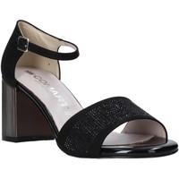 Cipők Női Szandálok / Saruk Comart 823368 Fekete