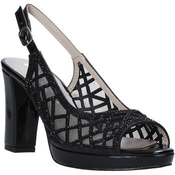 Cipők Női Szandálok / Saruk Comart 303331 Fekete