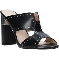 Cipők Női Papucsok Gold&gold A20 GD222 Fekete
