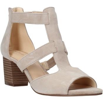 Cipők Női Félcipők Clarks 26141571 Bézs