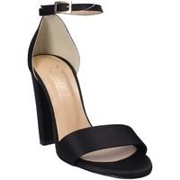 Cipők Női Szandálok / Saruk Grace Shoes 1392 Fekete
