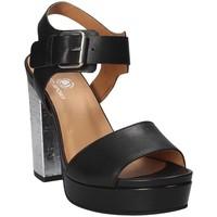 Cipők Női Szandálok / Saruk Janet Sport 41907 Fekete