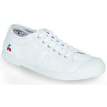 Cipők Női Rövid szárú edzőcipők Le Temps des Cerises BASIC LACE Fehér