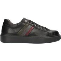 Cipők Férfi Rövid szárú edzőcipők Exton 888 Fekete