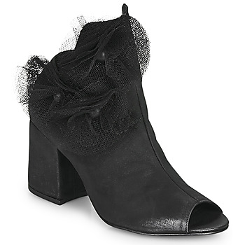 Cipők Női Félcipők Papucei MOMA Fekete