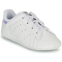 Cipők Lány Rövid szárú edzőcipők adidas Originals STAN SMITH CRIB SUSTAINABLE Fehér / Ezüst