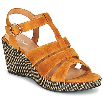 Cipők Női Szandálok / Saruk Adige FLORY V4 UNDER SAFRAN Citromsárga