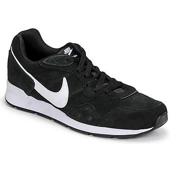 Cipők Férfi Rövid szárú edzőcipők Nike VENTURE RUNNER SUEDE Fekete  / Fehér
