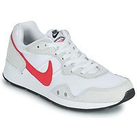Cipők Női Rövid szárú edzőcipők Nike VENTURE RUNNER Fehér / Rózsaszín