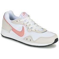 Cipők Női Rövid szárú edzőcipők Nike NIKE VENTURE RUNNER Fehér / Rózsaszín