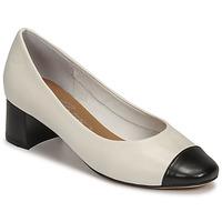 Cipők Női Félcipők Betty London OMINA Fehér / Fekete