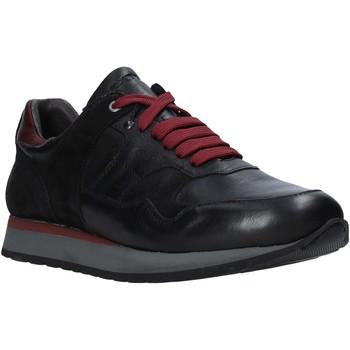 Cipők Férfi Rövid szárú edzőcipők Exton 591 Fekete