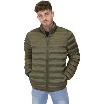 Ruhák Férfi Steppelt kabátok Invicta 4431700/U Zöld
