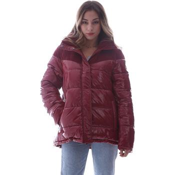 Ruhák Női Steppelt kabátok Invicta 4432435/D Piros