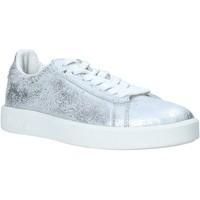 Cipők Női Rövid szárú edzőcipők Diadora 201171917 Ezüst