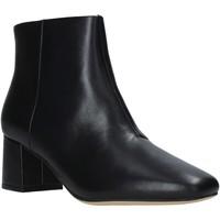 Cipők Női Bokacsizmák Clarks 144076 Fekete