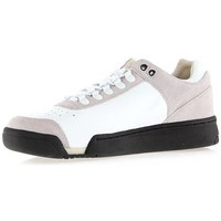 Cipők Férfi Rövid szárú edzőcipők K-Swiss Gstaad Neu Lux