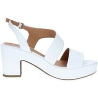 Cipők Női Szandálok / Saruk Tres Jolie 2661/G60 WHITE