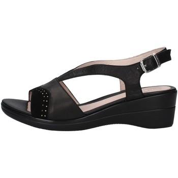 Cipők Női Szandálok / Saruk Stonefly 213792 BLACK