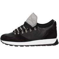 Cipők Férfi Rövid szárú edzőcipők Triver Flight 344-02D3 BLACK