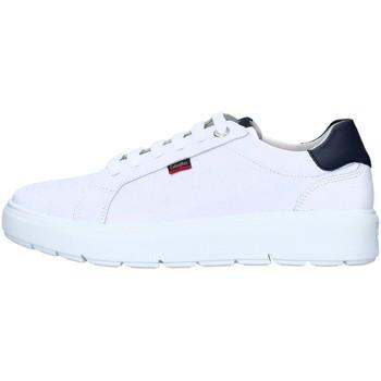 Cipők Férfi Rövid szárú edzőcipők CallagHan 45504 WHITE