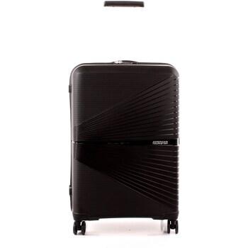 Táskák Keményfedeles bőröndök American Tourister 88G009002 BLACK