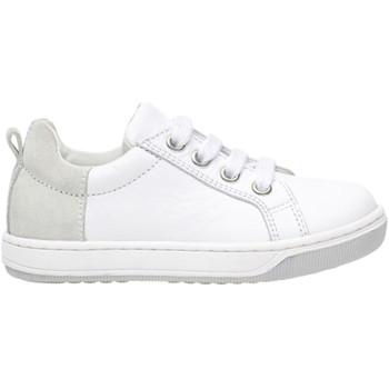 Cipők Gyerek Rövid szárú edzőcipők Naturino 2013672 04 Fehér