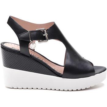 Cipők Női Szandálok / Saruk Stonefly 213914 Fekete