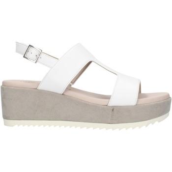Cipők Női Szandálok / Saruk Comart 503463NL White