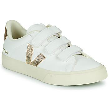 Cipők Női Rövid szárú edzőcipők Veja RECIFE LOGO Fehér / Arany