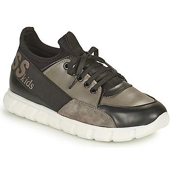 Cipők Fiú Rövid szárú edzőcipők Guess BRODY Fekete