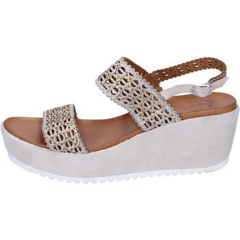 Cipők Női Szandálok / Saruk Femme Plus Szandál BJ892 Bézs