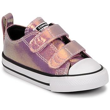 Cipők Lány Rövid szárú edzőcipők Converse CHUCK TAYLOR ALL STAR 2V IRIDESCENT GLITTER OX Rózsaszín
